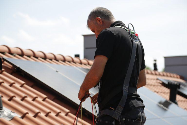 Installatie zonnepanelen: bestaande woningen verduurzamen